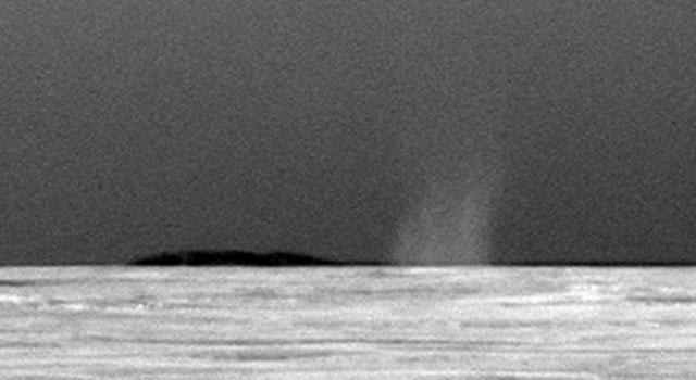 Dust devil fotografiado por el Opportunity